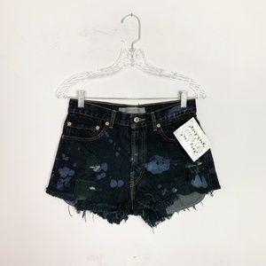 Vintage Levi's hi rise denim shorts bleach splat